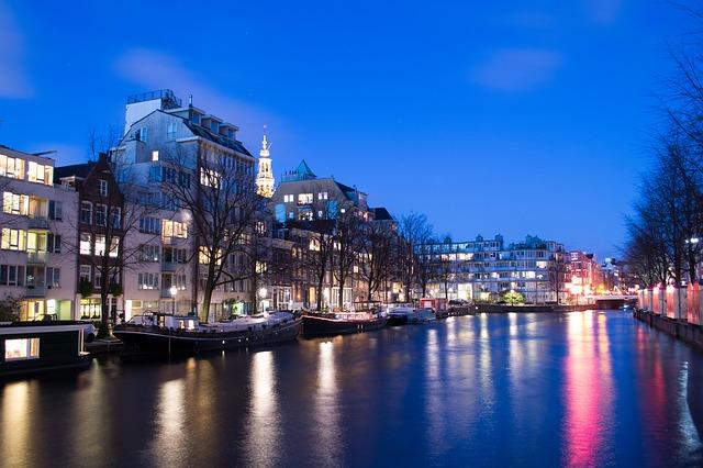amsterdam-363920_640